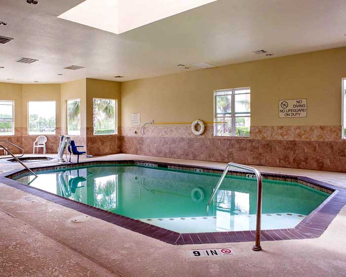 Indoor Pool and Spa Hotels Motels Amenities in La Porte Texas Budget Clean Lodging Hotels
