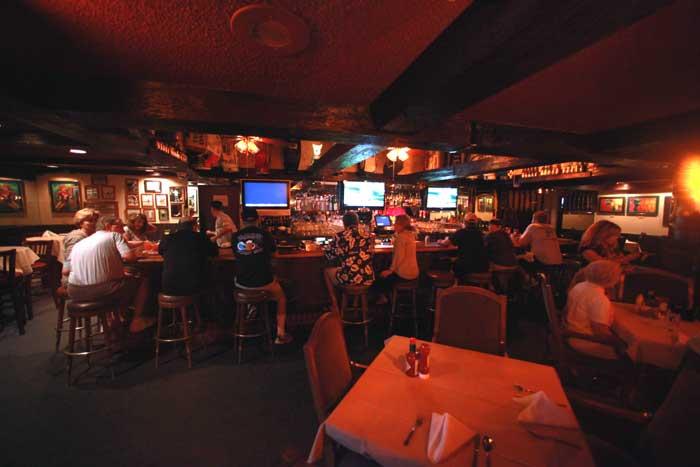 Cactus Jacks On site Restaurant Bar Lounge Full Menu Breakfast Lunch Dinner Clean Comfortable Rooms